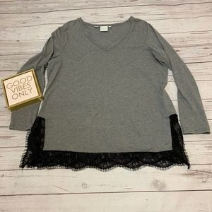 Junarose womens top size large with lace accents